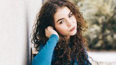 7 советов по уходу за кудрявыми волосами