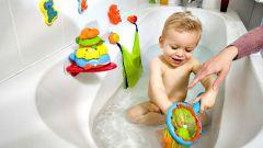 Как приучить ребенка к купанию