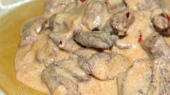 Бефстроганов из печени со сметаной: пошаговые рецепты с фото для легкого приготовления
