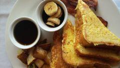 Хлеб в молоке с яйцом на сковороде: пошаговые рецепты с фото для легкого приготовления