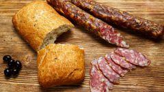 Сыровяленая колбаса в домашних условиях: пошаговые рецепты с фото для легкого приготовления