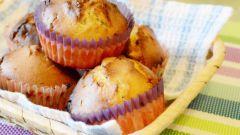 Маффины с начинкой из вафельных конфет: пошаговый рецепт с фото