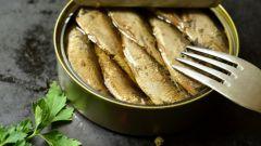 Салаты со шпротами: пошаговые рецепты с фото для легкого приготовления
