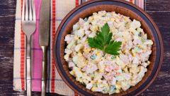 """Как приготовить классический салат """"Оливье"""""""