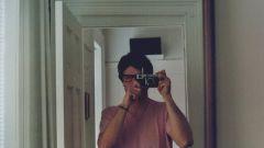 Почему не стоит фотографироваться через зеркало и зачем нужно избавляться от таких фотографий