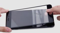 Зачем нужны защитные стекла для поверхности смартфона