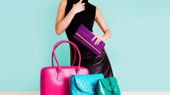 Сколько сумок нужно девушке