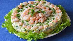 Как приготовить вкусный салат из креветок и овощей