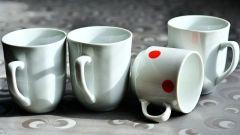 Почему не стоит хранить дома треснувшую посуду