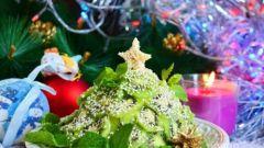 """Простой салат """"Новогодняя елка"""""""
