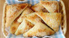 Слоеные пирожки с печенкой: пошаговый рецепт с фото