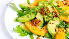 Как приготовить салат из авокадо с персиком