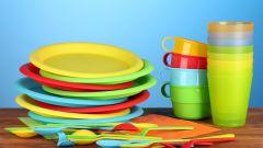 Чем опасна посуда из синтетического полимера