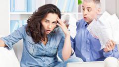 Что делать, если муж не дает жене денег