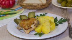 Как приготовить куриные бедрышки с картошкой в мультиварке