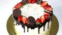 Как украсить торт фруктами, цукатами и шоколадными фигурками в домашних условиях