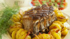 Как приготовить свиную корейку в духовке с картошкой