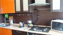 Как можно спрятать газовую трубу на кухне