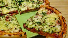 Как приготовить пиццу с колбасой и сыром