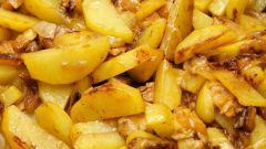 Как пожарить картошку с салом и луком на сковороде