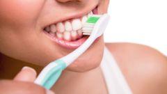 Как правильно чистить зубы, чтобы реже посещать стоматолога