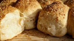 Как приготовить медовые булочки из дрожжевого теста без молока: пошаговый рецепт