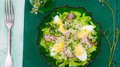 Как приготовить салат с сельдью и яйцами