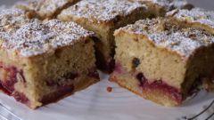 Как приготовить пирог со сливами и корицей: быстрый и простой рецепт
