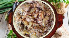 Как приготовить гречку со свининой в горшочке