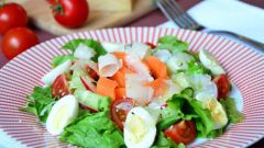 Как приготовить овощной салат с яйцом