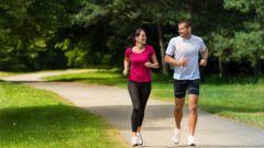 Что эффективнее для похудения: ходьба или бег?