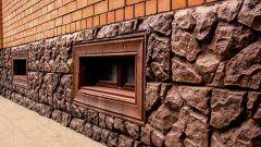 Отделка цоколя панелями под камень: критерии подбора и шаги установки