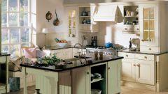Белая кухня на даче: за и против