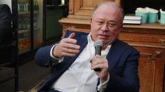Андрей Караулов: биография и личная жизнь телеведущего