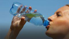 Напитки, которые лучше не пить во время жары: кофе, крепкий чай, алкоголь
