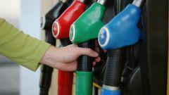 Почему в России взлетели цены на бензин