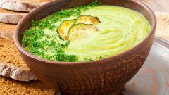 Как приготовить суп-пюре из кабачков с базиликом
