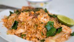 Как приготовить рис с креветками по тайски