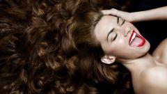 Секрет здоровых волос: как быстро избавиться от перхоти?
