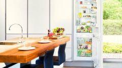 Как замаскировать холодильник в интерьере
