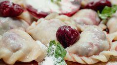 Вареники с замороженной вишней: рецепт