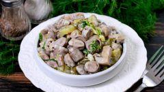 Салат с куриными сердечками теплый: лучшие рецепты