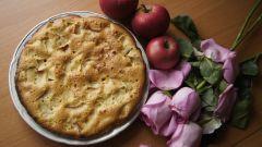 Как приготовить шарлотку с яблоками: простой рецепт