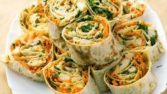 """Рулет из лаваша """"Обжорка"""": закуска, которая покорит вас своей простотой"""
