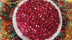 """Как приготовить салат """"Монгольская горка"""" с гранатом"""