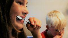 Как сделать полезную зубную пасту своими руками