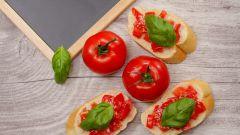 Как приготовить итальянские закуски с хлебом: брускетта и кростини