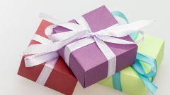 Что подарить: приметы и подарки