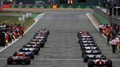 В гонках «Формула-1» рассмотрят возможность уплотнения стартовой решетки