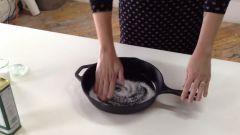 Как легко почистить сковороду